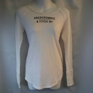 Abercrombie & Fitch White Knit Graphic Shirt, S
